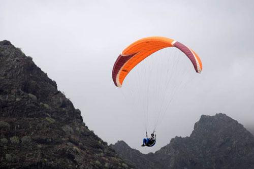 Paraglider auf teneriffa